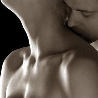 beso+en+el+cuello